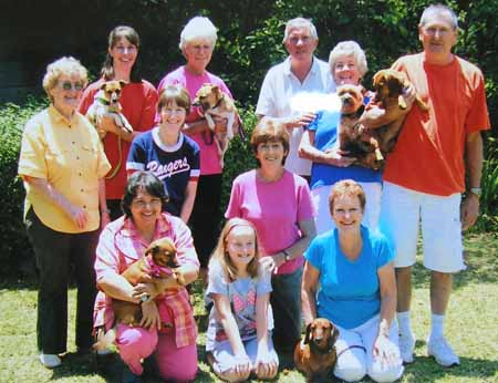 The whole gang: Gladys, Brigitte, Linda, Colette, Terry, Sue & Pete, Joh, Ursula & Lynn