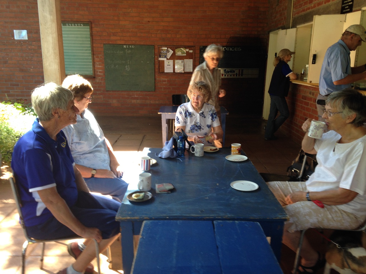 The tea break on the verandah with Pam Brennan, Pippa Cory behind Gladys.